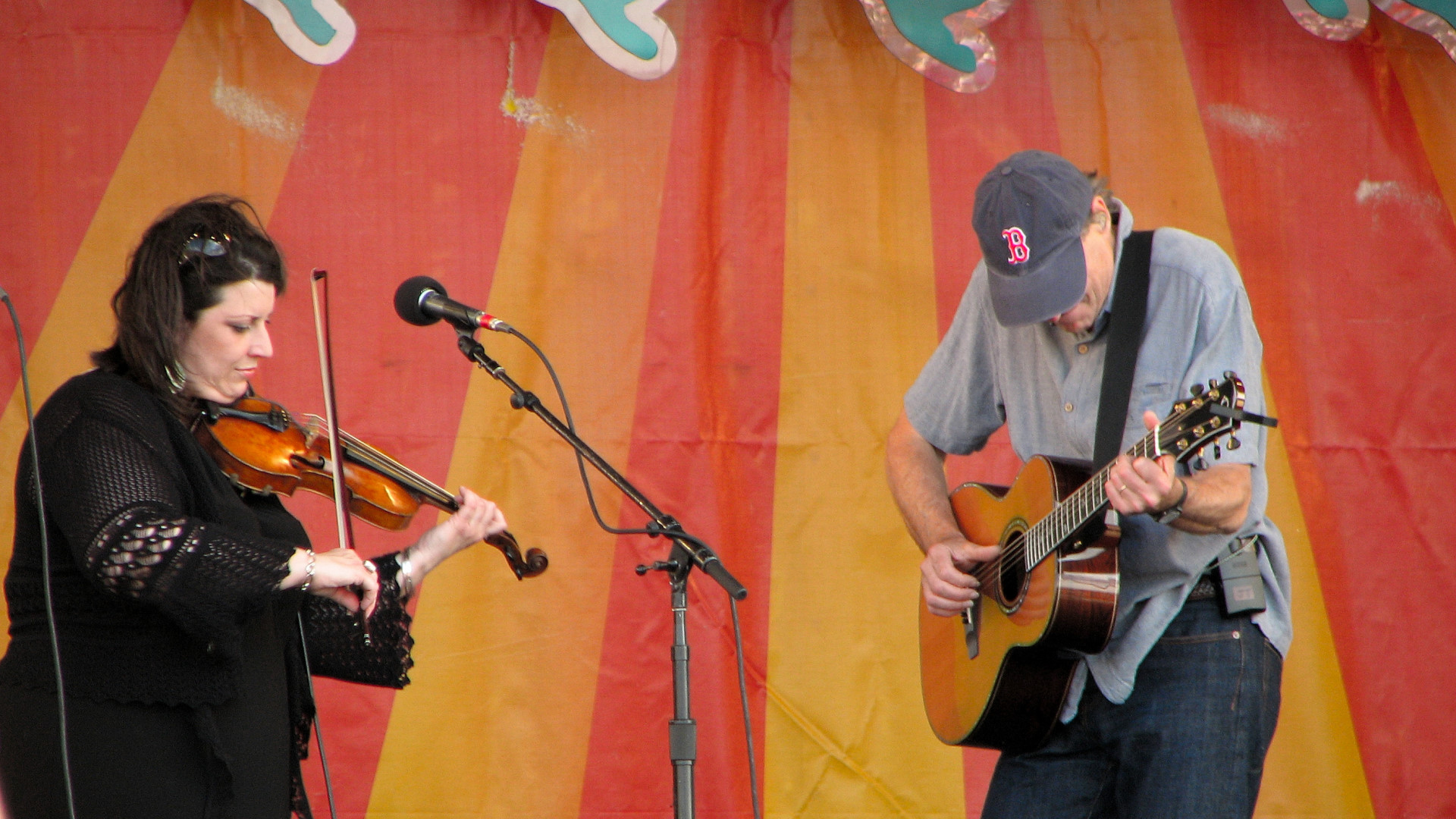 James Taylor and his violinist at Jazz Fest 2009