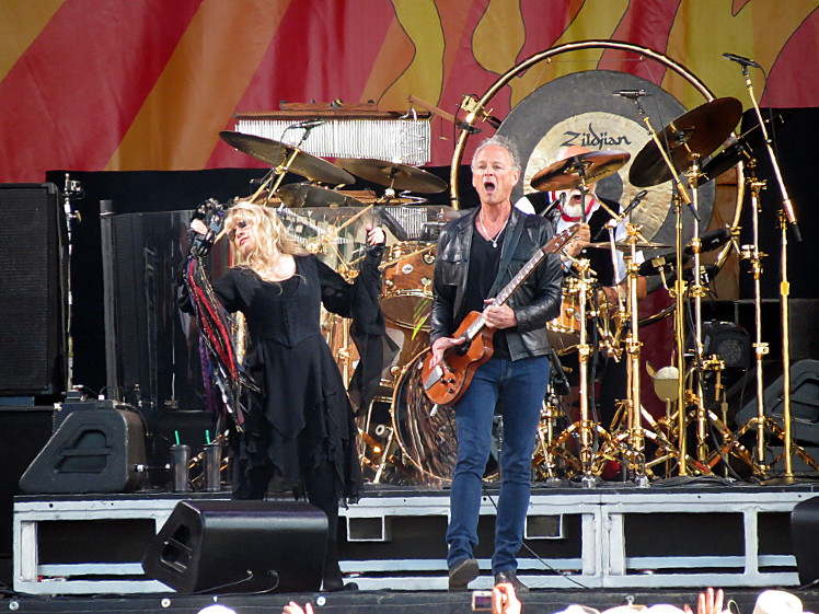 Stevie Nicks & Lindsey Buckingham of Fleetwood Mac