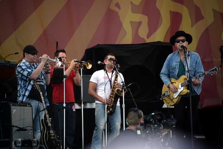 Marc Broussard's horn section